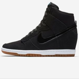 Nike Womens Dunk Sky Hi Essential Wedge Heel Shoes